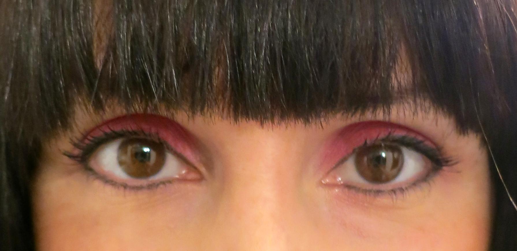 Pink eyes!