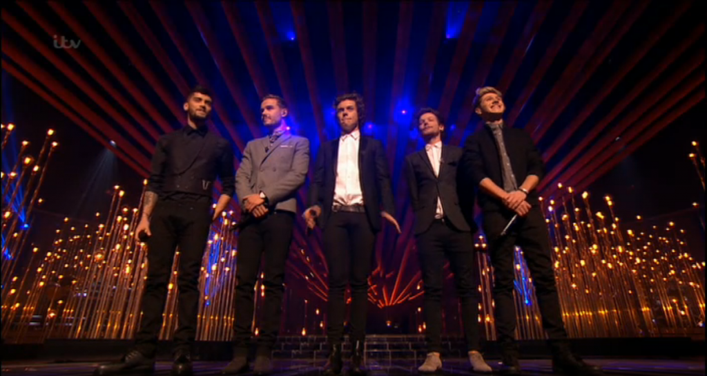 Vintage light bulbs on XFactor for One Direction