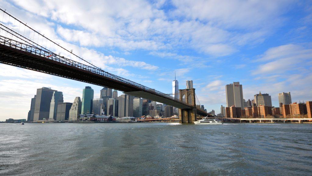 Brooklyn Bridge Ferry to Midtown Manhattan