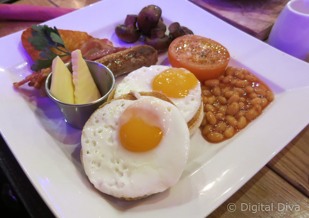 Full English Breakfast at The Pit