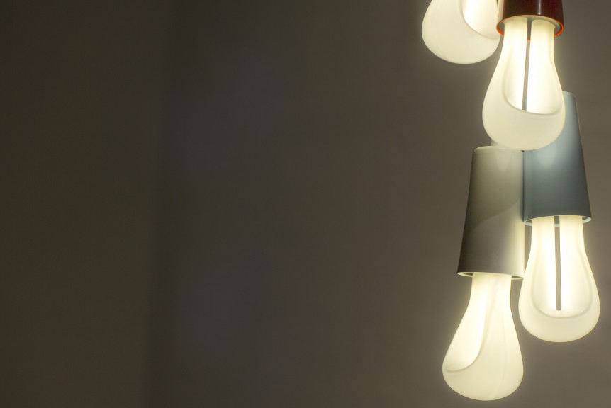 plumen-light-bulb-002-in-situ-4-1024x576