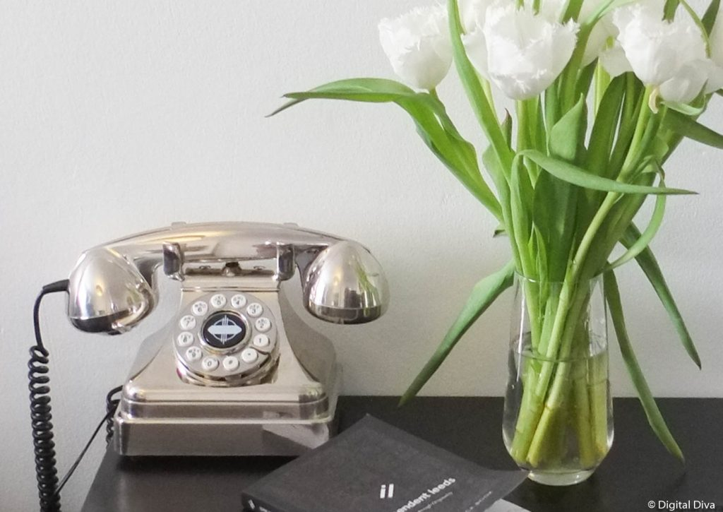 Silver Retro Telephone