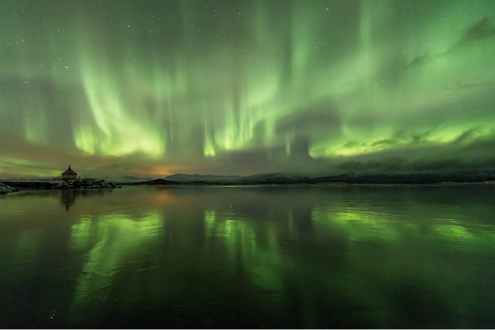 Northern Lights by Oliver Wright